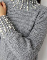 Długi-sweter-z-perełkami