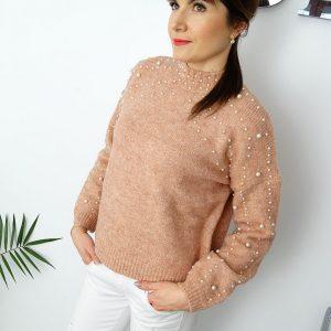 Modny-sweter-perelki