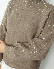 sweter-z-perełkami